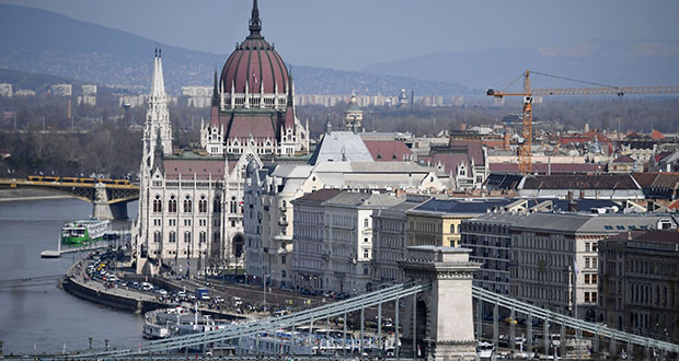 This April 5, 2018, photo shows the Danube River flowing through Hungary's capital. (Bloomberg file photo)