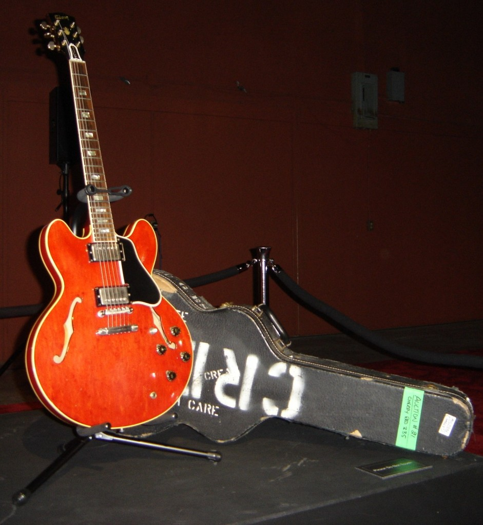 medium resolution of this particular guitar was widely used by clapton in his tours and recording sessions in 1964 however he rarely played his 1964 gibson es0335 tdc during
