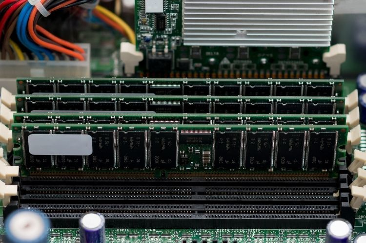 How To Know When Your Server Needs More RAM