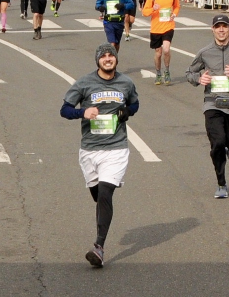 Financial Glass - Approaching the Finish Line at the 2018 AACR Philadelphia Marathon