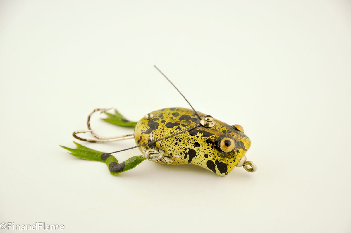 Paw Paw Weedless Wotta Frog Lure