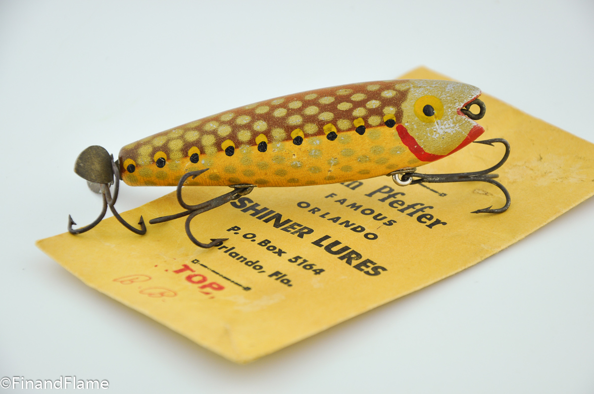 Brown Bass Scale Pfeffer Top Cast Antique Fishing Lure