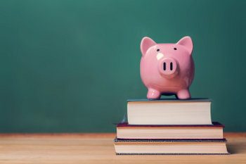 """""""Dekalog Świadomego Pożyczania"""" – podręcznik dla pożyczkobiorców"""
