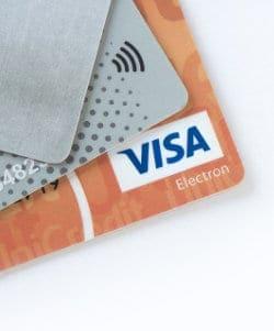Kilka kart płatniczych