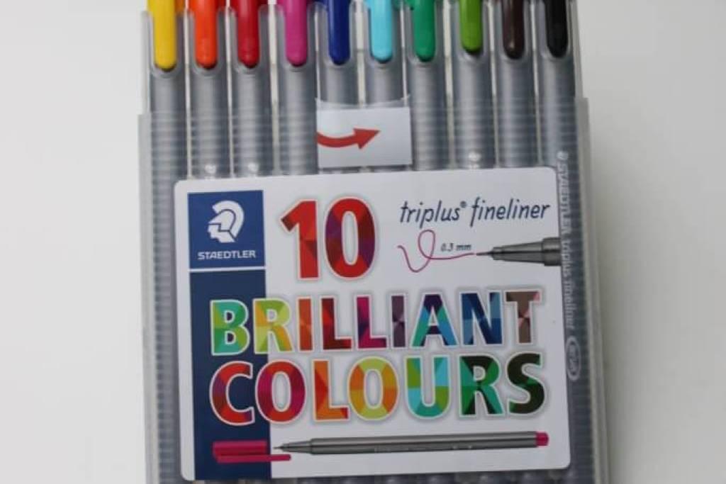 Staedtler triplus 334 SB10 Fineliner Set mit 10 brillanten Farben