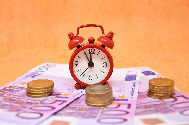 Hier die 10000 Euro Kredit ohne Wartezeit holen.