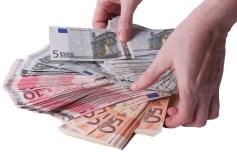 Kreditkündigung? Kredit online und Darlehen hier anfordern.