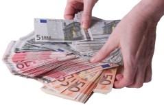 Kredit online und Darlehen hier anfordern.