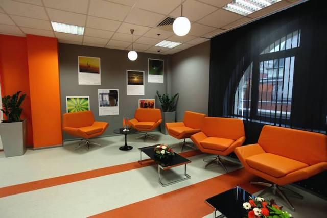 TR Eikon Lounge 2