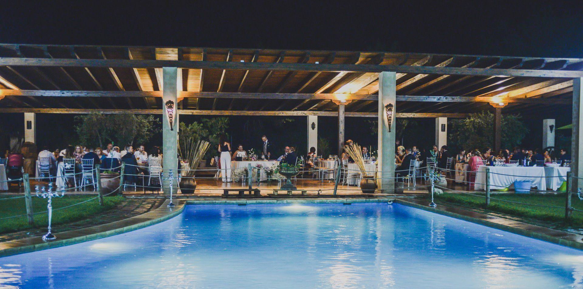 lago y zona de catering finca villa Mercedes