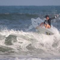 サーフィンのWorld Championを目指す馬庭 彩(まにわ さい)選手がFind-FCにアスリート登録!