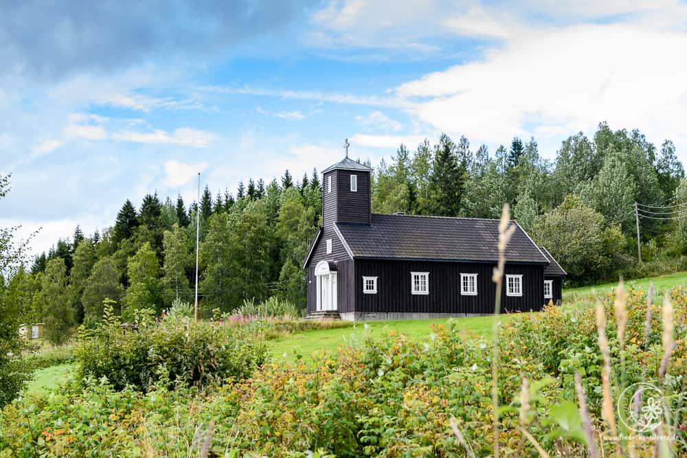 Jedes norwegische Dörflein hat seine Kirche.