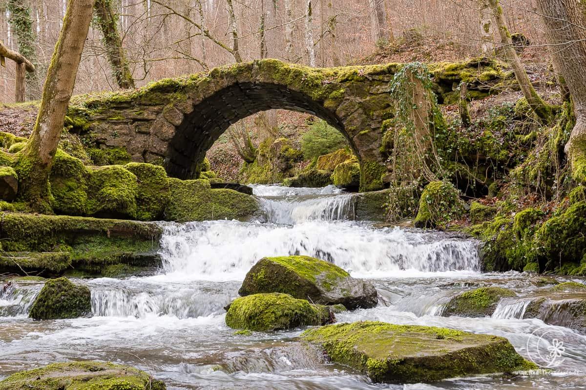 Einsturzgefährdete Brücke