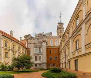 Einer von 12 Innenhöfe der Universität Vilnius