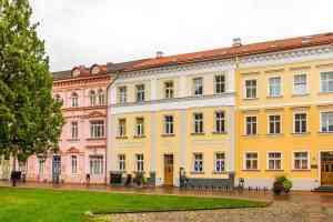 klassizistische Häuserfassaden