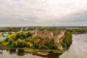 Blick auf die Burg Ivangorod
