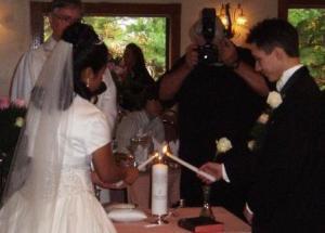 Lighting the Umity Candle