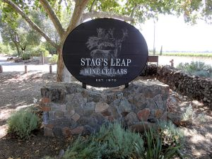 1024px-Stags_Leap_Winery,_Napa_Valley,_California,_USA_(6199529950)