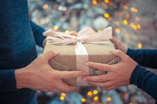 gave til ham