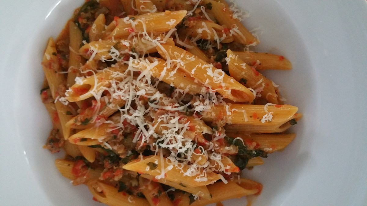 One Pot Roasted Red Pepper and Sausage Pasta
