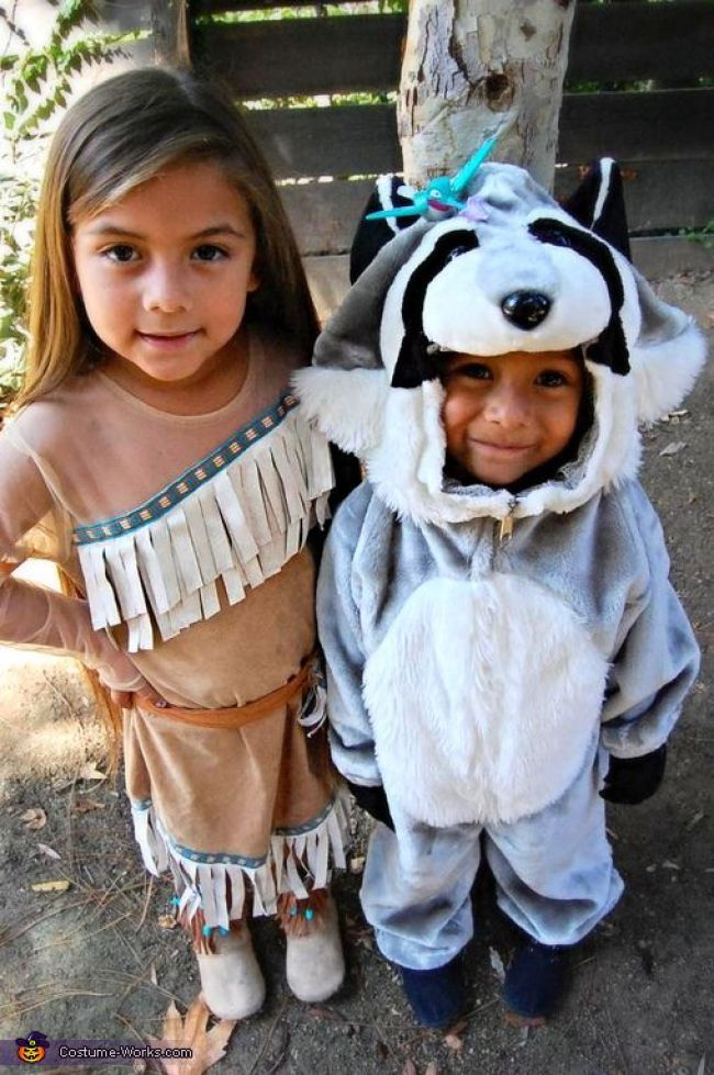 Pocahontas and Meeko Halloween costumes for sisters
