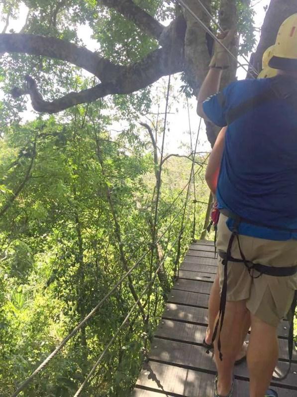 things to do in Roatan go zip-lining
