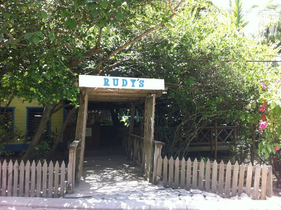 Things I Wish I Had Done in Roatan: Have a Rudy's Smoothie Every Day!