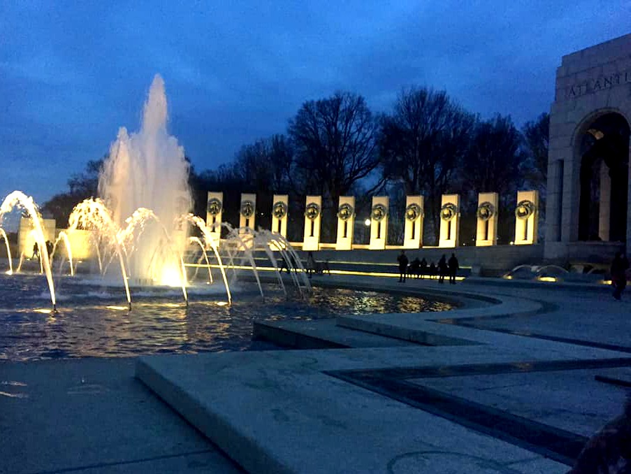 The WWII Memorial in Washington D.C at dusk.