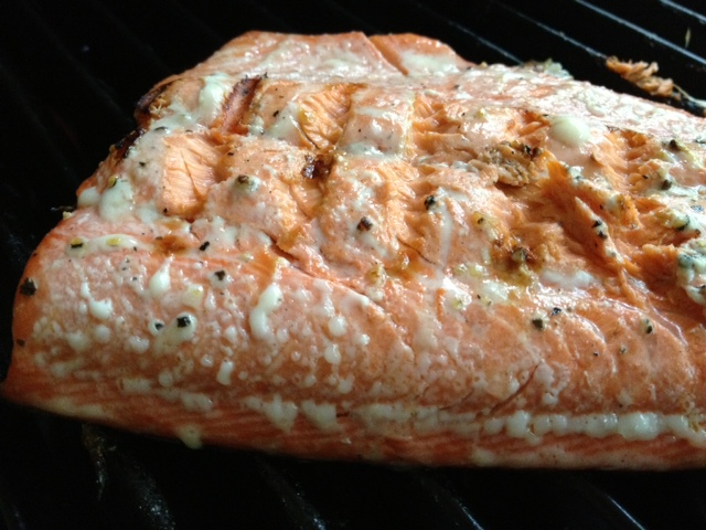 Maple Citrus Grilled Salmon   a super easy marinade and cooks quickly on the grill, this is a perfect healthy dinner in the summer #salmon #grilling #dinner