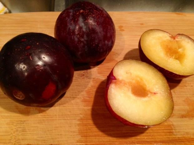 plum torte plums cut
