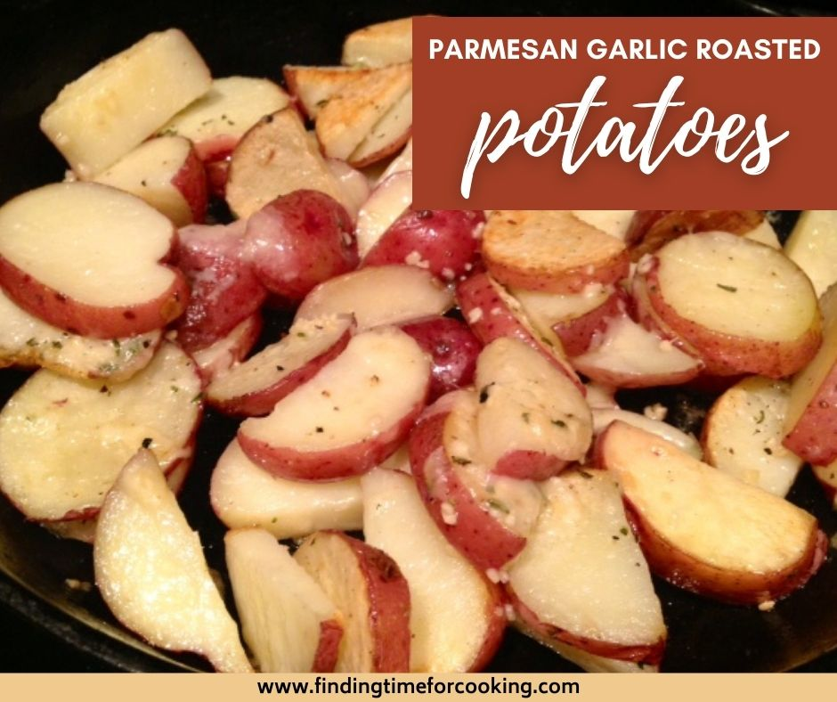 Parmesan Garlic Roasted Potatoes | This potato side dish seems fancy but is super easy and quite healthy...delicious roasted potatoes with garlic, parmesan, and herbs.  Whip up any night of the week! Vegetable side dish ideas, dinner recipe ideas. #potatoes #sidedish