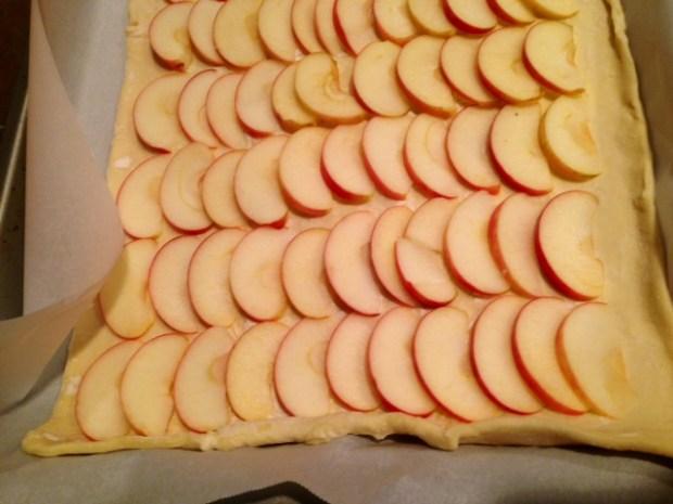 honey apple tart apple slices2