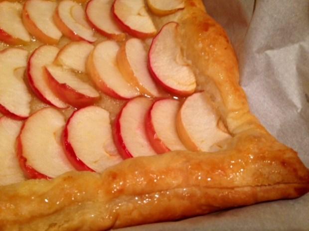 honey apple tart honey closeup