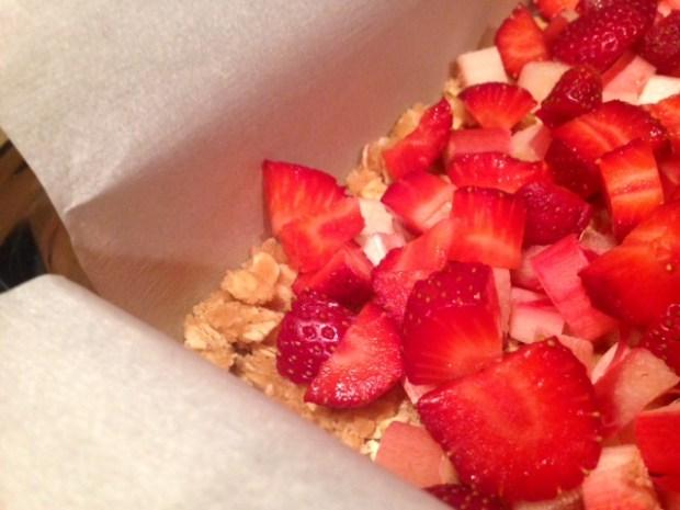 strawberry rhubarb crumb bars strawberries topping