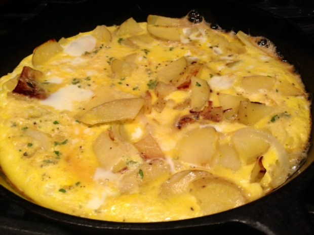 traditional spanish tortilla eggs cooking2