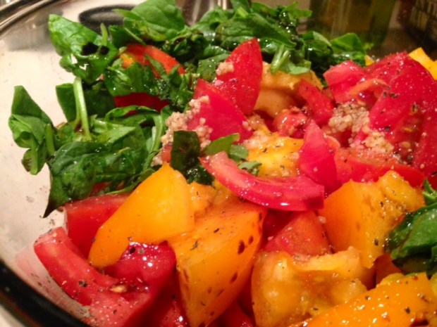 heirloom tomato & mozzarella salad seasoning