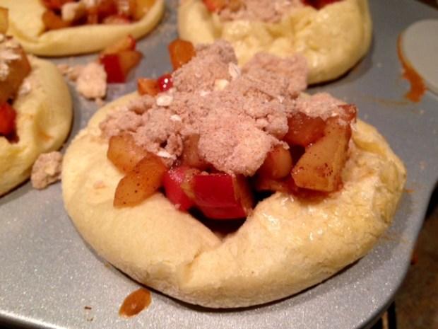 apple pie german pancake bowls struesel topping