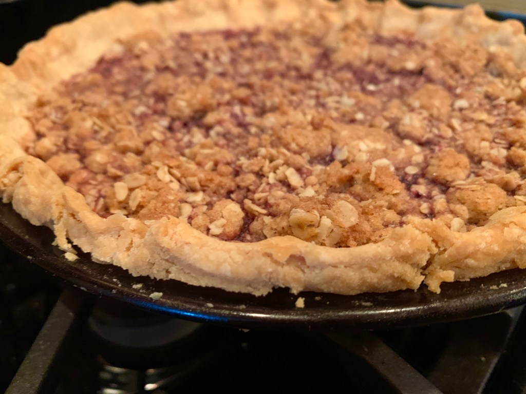 Easy Bing Cherry Pie with Streusel Topping | finding time for cooking