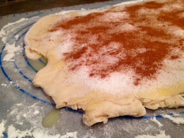 cinnamon rolls with maple frosting sugar cinnamon