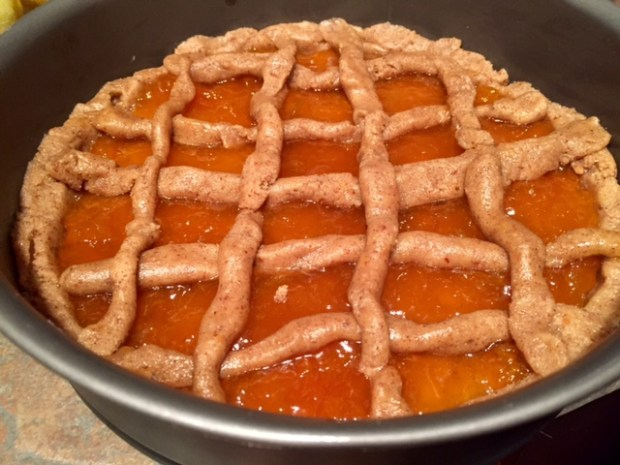 apricot linzer torte lattice