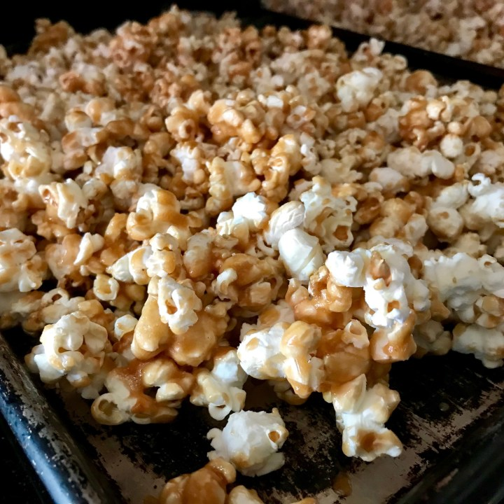 Easy, Awesome Homemade Caramel Popcorn