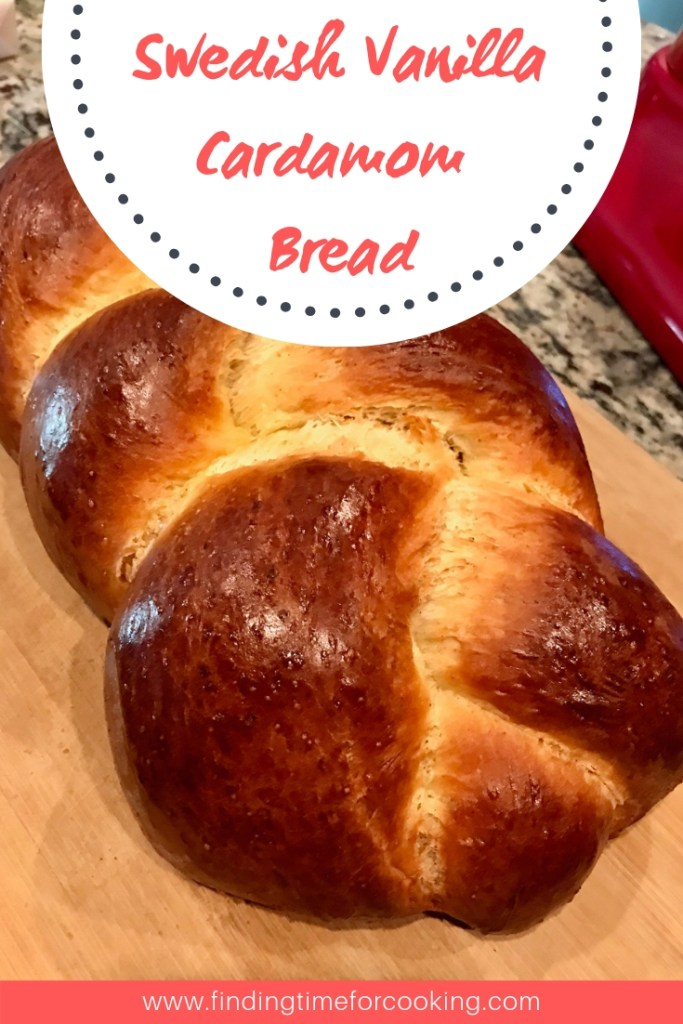 Swedish Vanilla Cardamom Bread   This warm and comforting bread isn't very sweet, but transports you to cozy Sweden with its cinnamon and cardamom flavors. Super easy to make, a great snack! #breadrecipes #swedishbread #cardamom #vanillabread