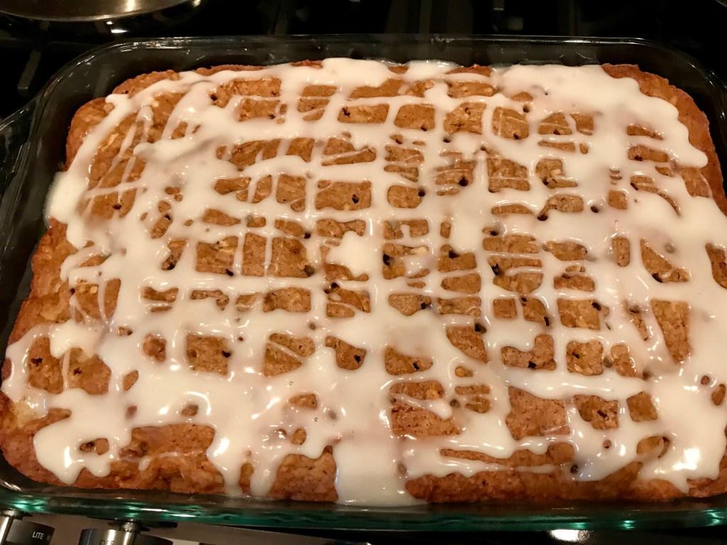 Delicious pear hazelnut cake with rosemary honey glaze - perfect fall cake!