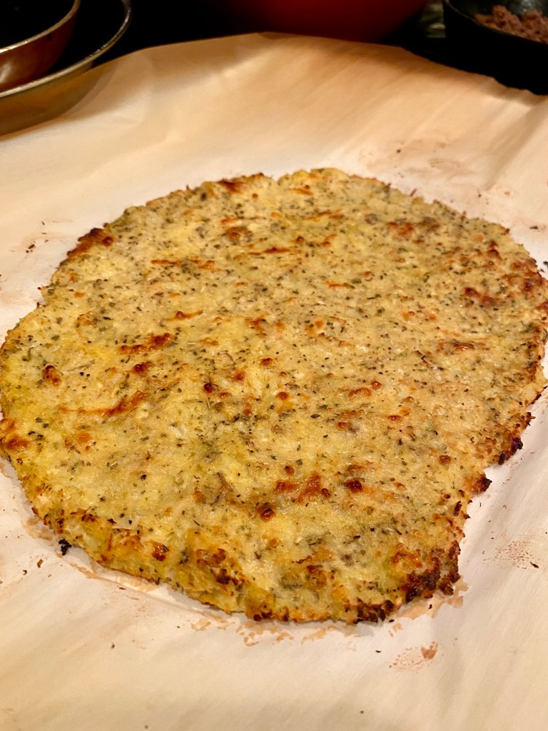 An easy & delicious cauliflower pizza crust recipe