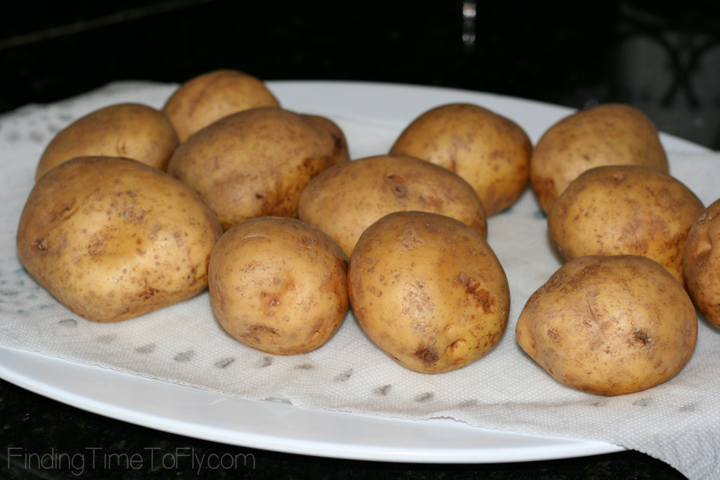 No peeling. No boiling. Really Easy Crock Pot Mashed Potatoes.