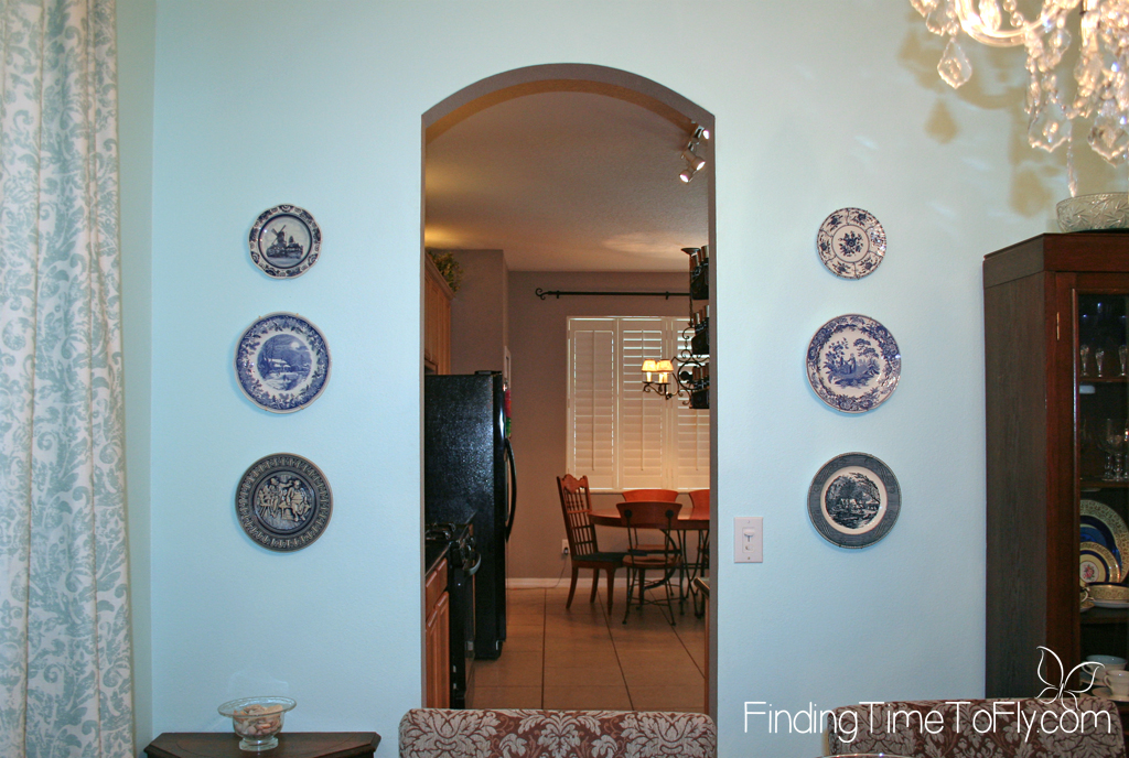 dining-room-plates-wall