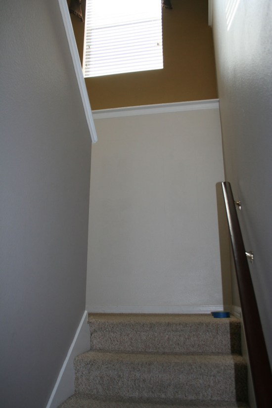 stairway-landing-wall-paint-only