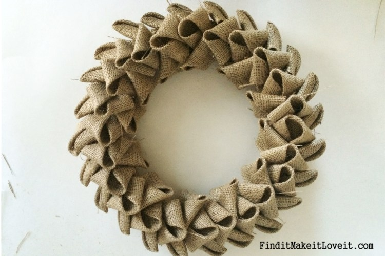 DIY Petal burlap wreath (5)