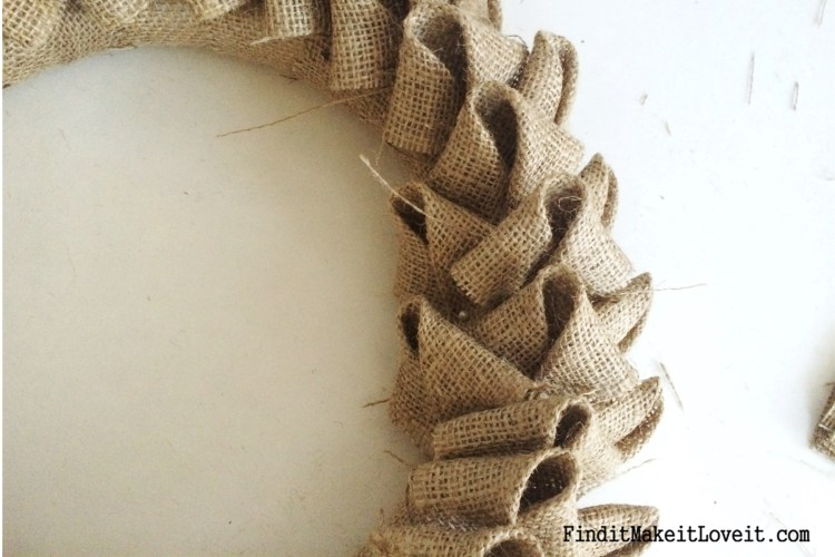 DIY Petal burlap wreath (6)