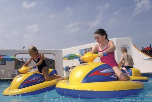 Littlesea Outdoor Pool - Littlesea Holiday Park